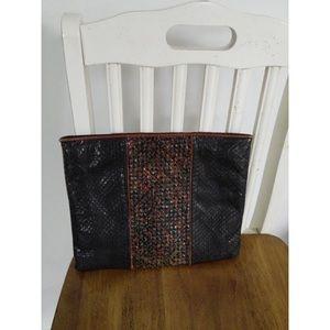 Handbags - Woven Faux Leather Snakeskin Clutch